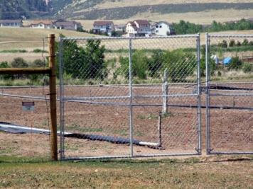 Deer fencing @Chatfield 29junr2006 LAH 012