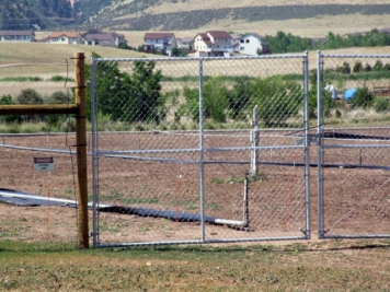 Deer fencing @Chatfield 29junr2006 LAH 012