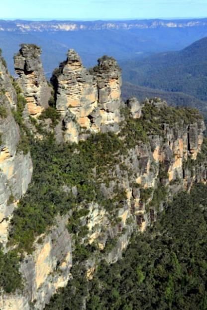 three-sisters_katoomba-nsw-australia_lah_5411