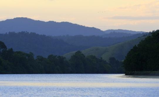 daintreeriver-boat-qld-australia_lah_6076