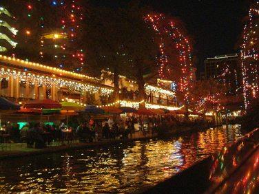Riverwalk at night_San Antonio TX_542 Lights - sharp