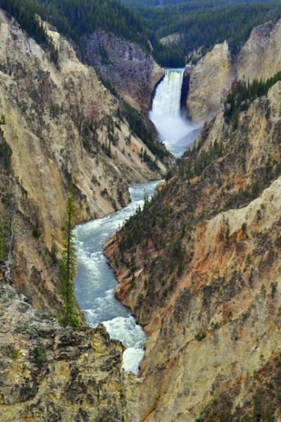 Yellowstone Falls_YellowstoneNP-WY_LAH_2404