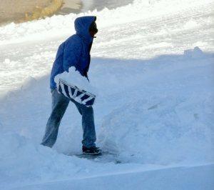 Pete shoveling snow_LAH_8231